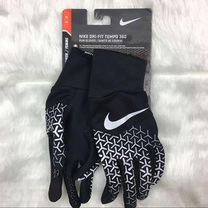 Nike Dri Fit Women's tempo 360 run gloves. Small